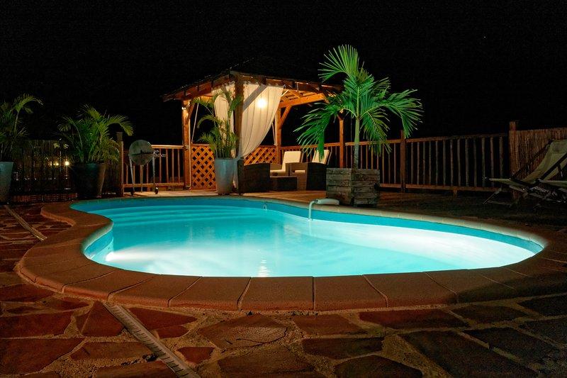 Pool / terrazzo notte