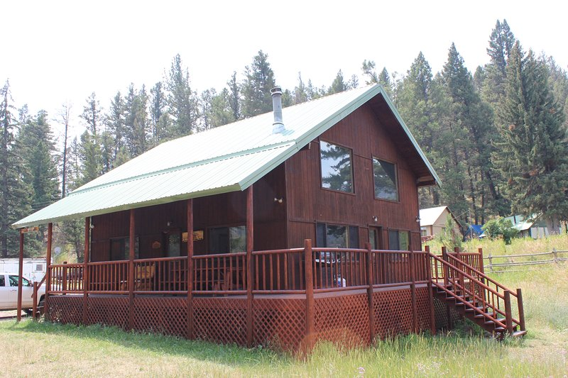 Rock Creek Fly Fishing Cabin, holiday rental in Philipsburg