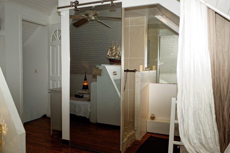 al piano superiore camera da letto / bagno