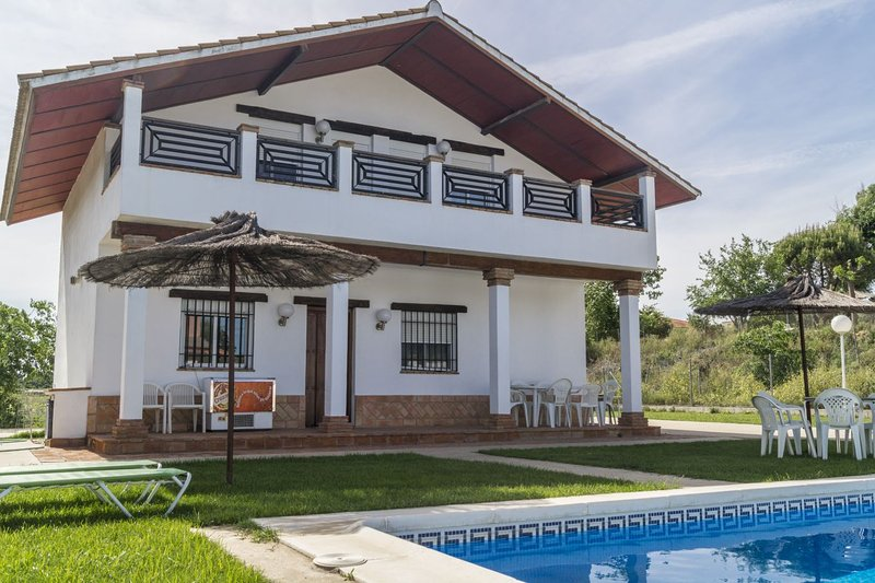 Casa de campo a 10 minutos de Cordoba, holiday rental in La Rambla