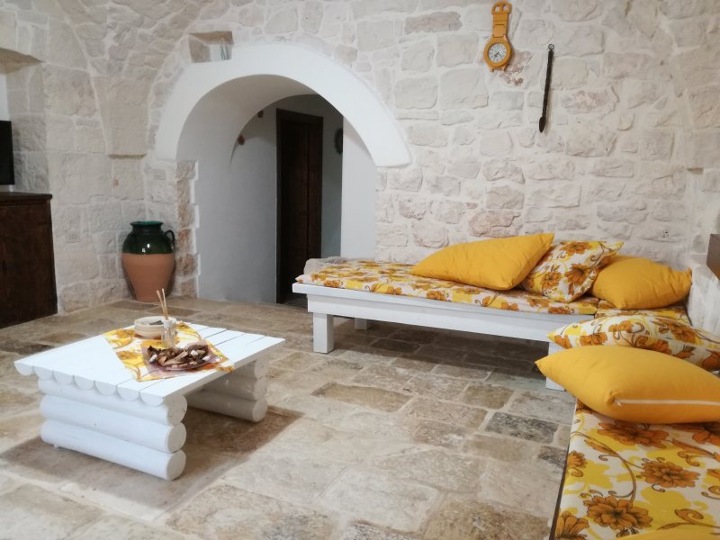 trullo.GIO, holiday rental in Cisternino