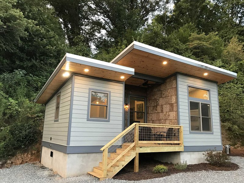 Rivers Edge on the Water in Bryson City, holiday rental in Bryson City