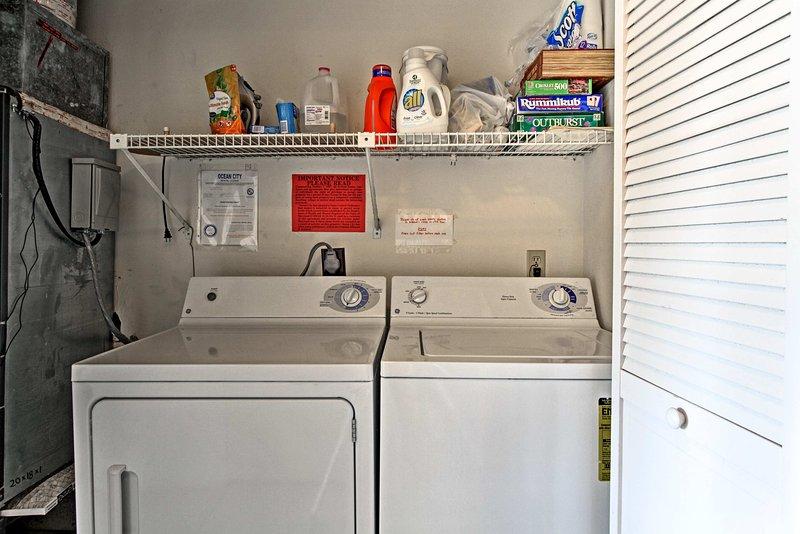 Mantenere i vostri vestiti puliti con le lavatrici in unità.
