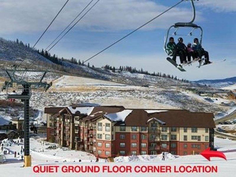 Ski-in/Ski-out Oversized 3B/3B Granby Base Camp One, holiday rental in Hot Sulphur Springs