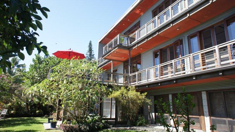 Private Oceanfront Luxury Home On The Pristine Puna Coast, alquiler de vacaciones en Kaimu