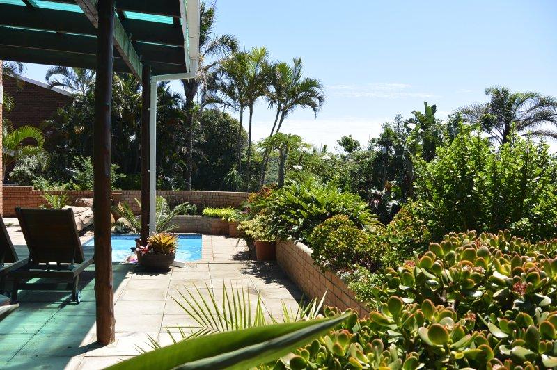 GinaZ Bnb House - Sleeps 12, alquiler de vacaciones en Ballito