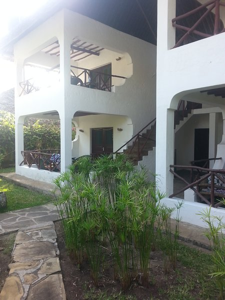 1 bedroom beach apartments, holiday rental in Diani Beach