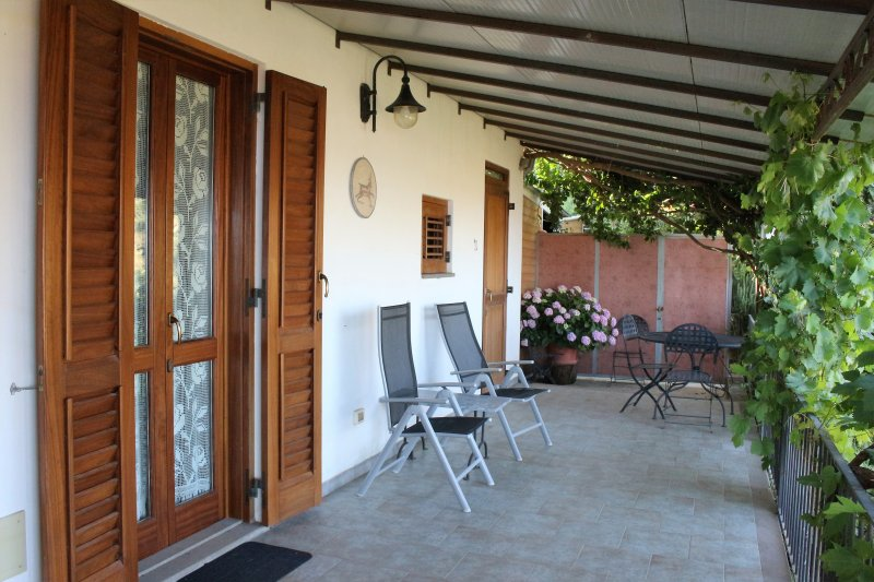 Casa Bellavista - Appartamento Alessandra, location de vacances à Quattropani