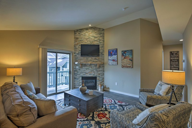 Your mountain retreat for 6 awaits at this Frisco vacation rental condo.