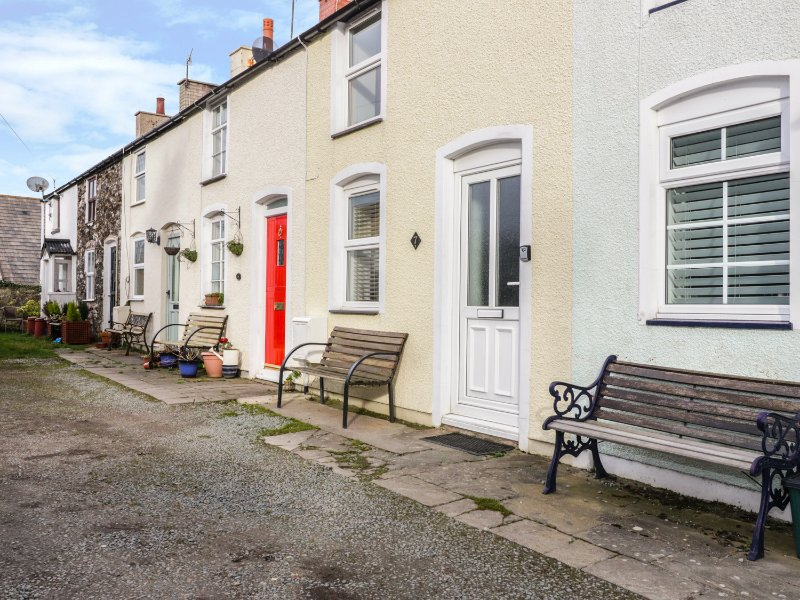FISHERMANS COTTAGE, centre of Conwy, pet-friendly, WiFi, Ref 26523, holiday rental in Llechwedd