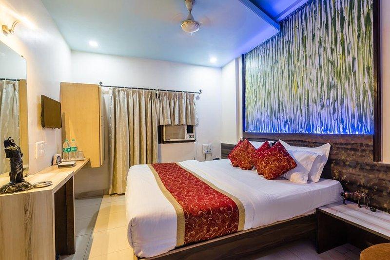 Hotel Panchratna (Deluxe 4), holiday rental in Matheran