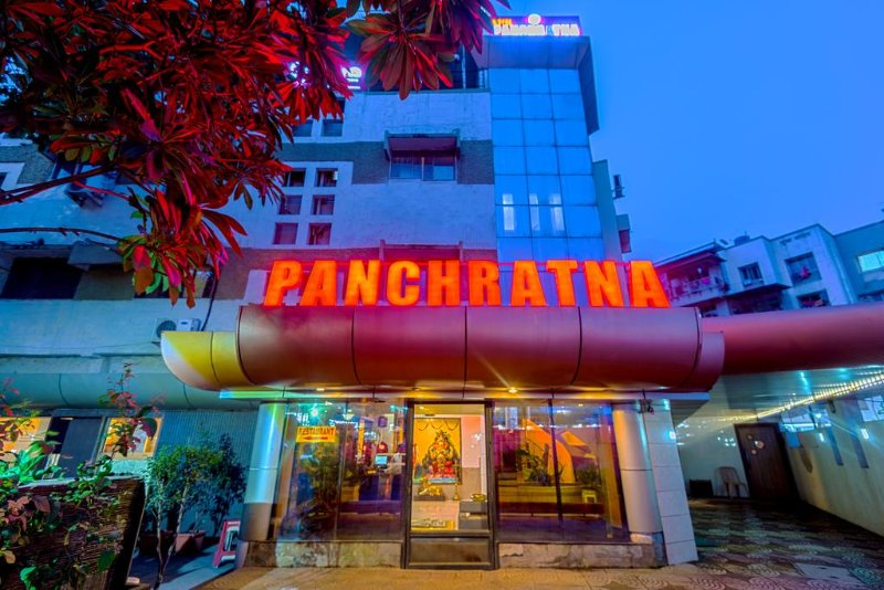 Hotel Panchratna (Deluxe 3), holiday rental in Neral