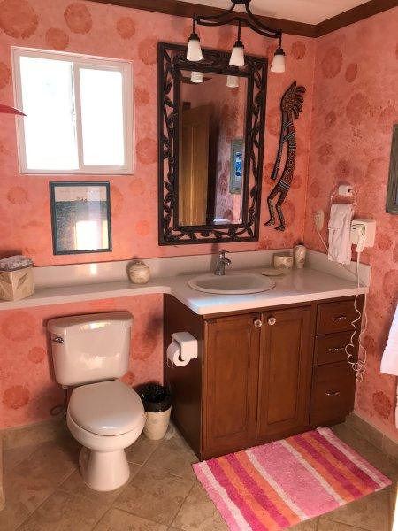Queen bedroom bath