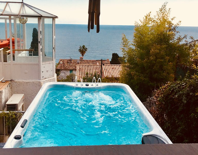 Beautiful 3 bedroom house with swimming pool spa - Summer house with swimming pool review ...