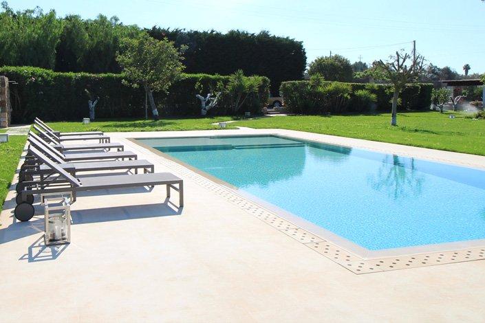 The pool of Masseria San Rocco