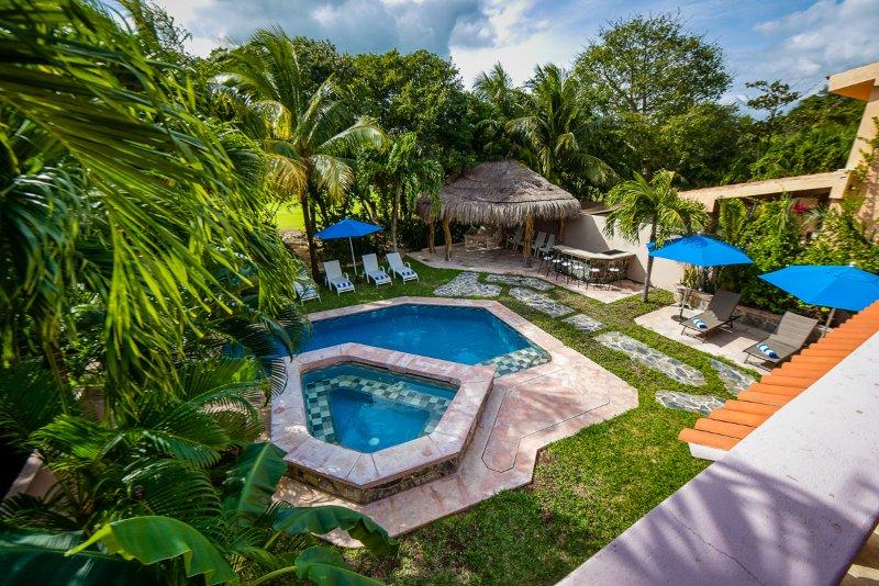 Golf Course Villa Yalku Puerto Aventuras, vacation rental in Xpu-Ha
