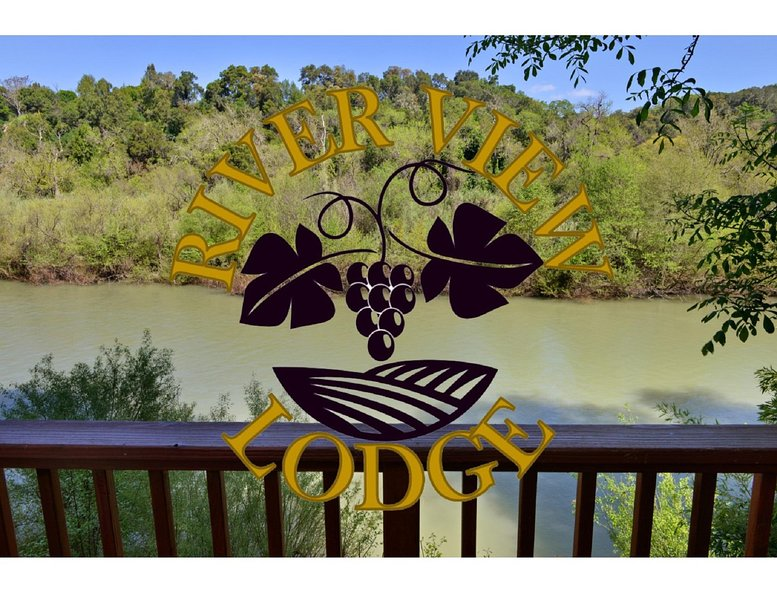 RIVER VIEW LODGE, holiday rental in Geyserville