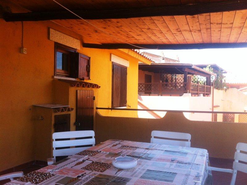 Appartamento con terrazza vista mare e Tavolara, vacation rental in Porto Rafael