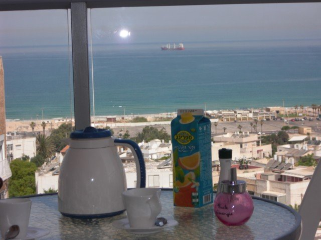 BEL APPARTEMENT DE STANDING NEUF FACE A LA MER  3 chambres 145 m2, holiday rental in Ashdod