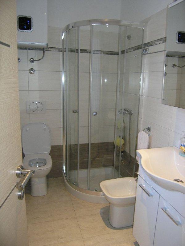 SA2 (2): banheiro com vaso sanitário