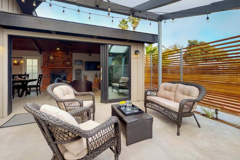 luxurious house with sunny patios great location walk to the rh tripadvisor com