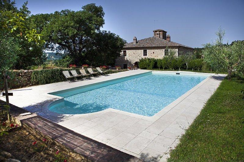 Poggio Santa Cecilia Villa Sleeps 7 with Pool - 5228970, holiday rental in Armaiolo