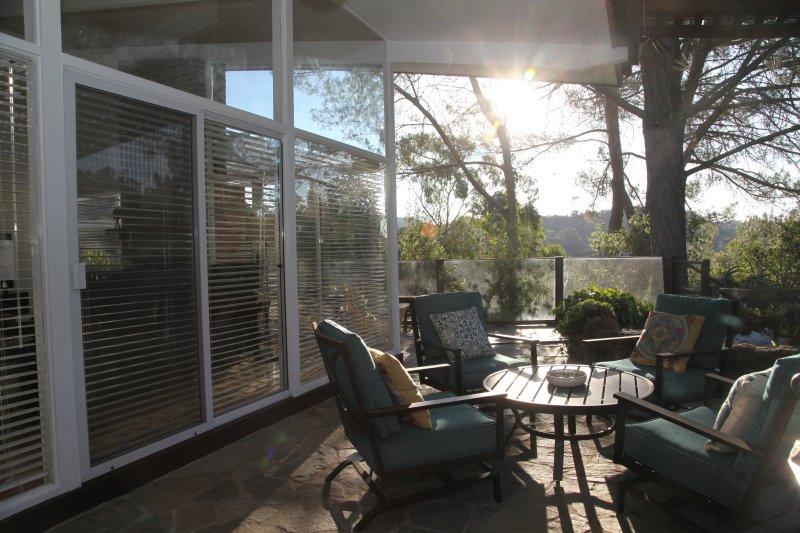 Patio exterior con asientos, lámpara de calor, Bañera de hidromasaje, barbacoa y para siempre Canyon Vistas