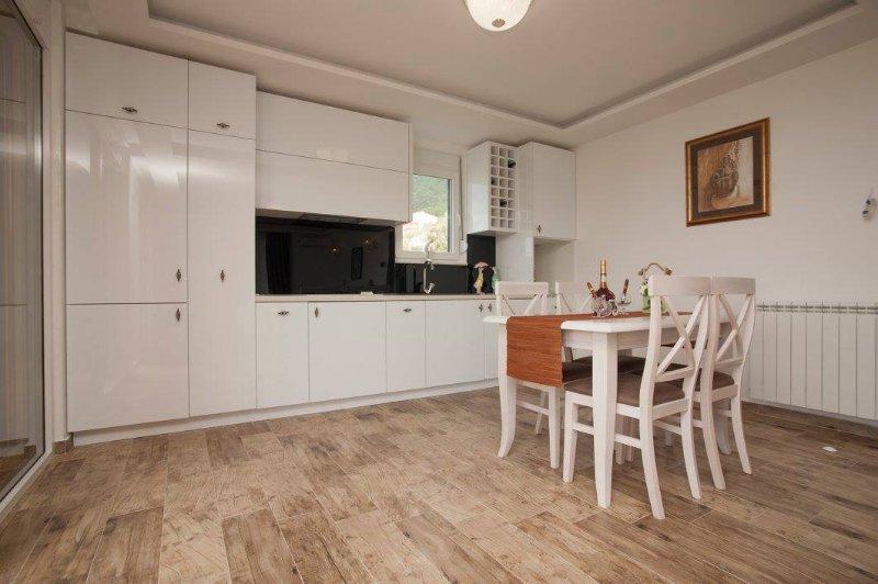 Guest House Medin No10, alquiler vacacional en Petrovac
