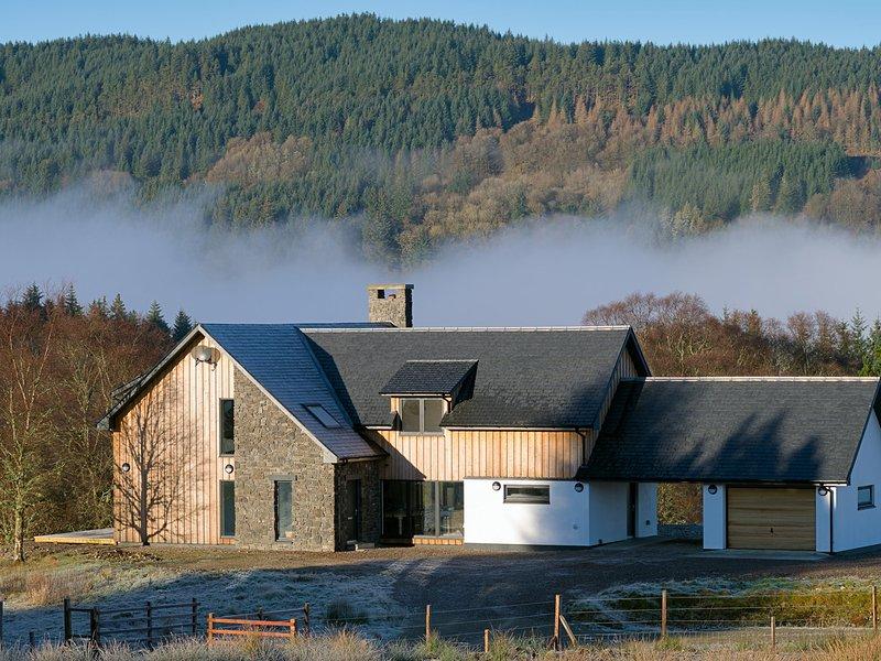 SOBRACHAN, views of Loch Awe, en-suites, open plan living, Ref 970960, location de vacances à Dalmally