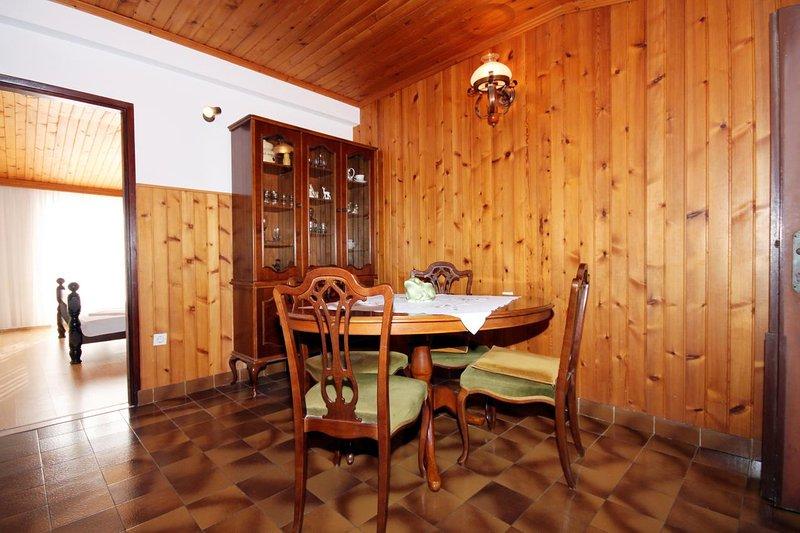 Eetkamer, Oppervlakte: 12 m²