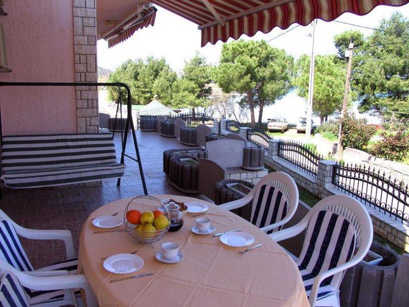 Kraj Apartment Sleeps 5 with Pool and Air Con - 5459238, holiday rental in Kraj
