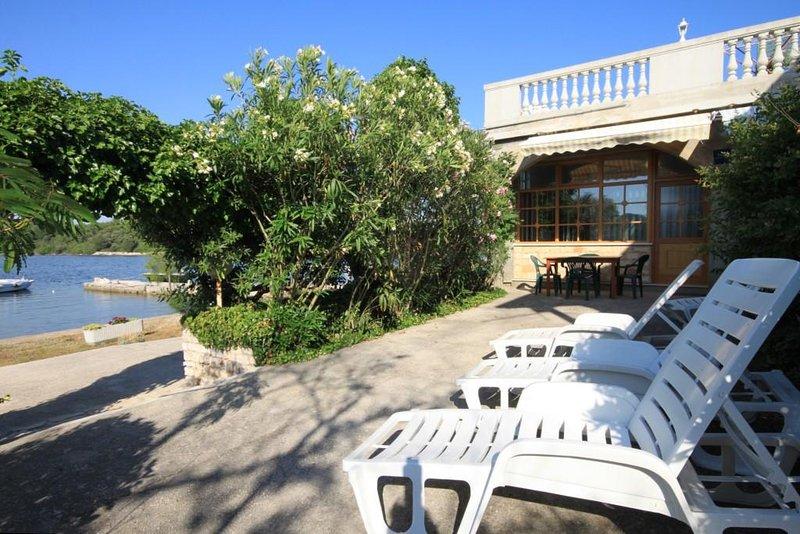 Polje Apartment Sleeps 4 - 5459336, holiday rental in Soline