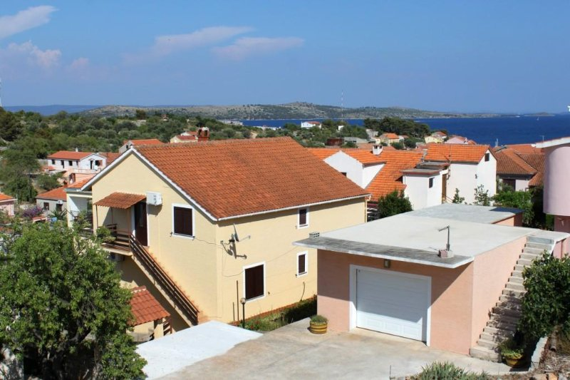 Two bedroom apartment Sali, Dugi otok (A-872-a), holiday rental in Sali