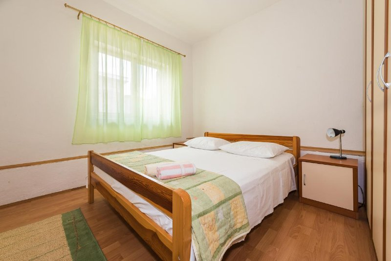 Habitaciones 2, Superficie: 11 m²