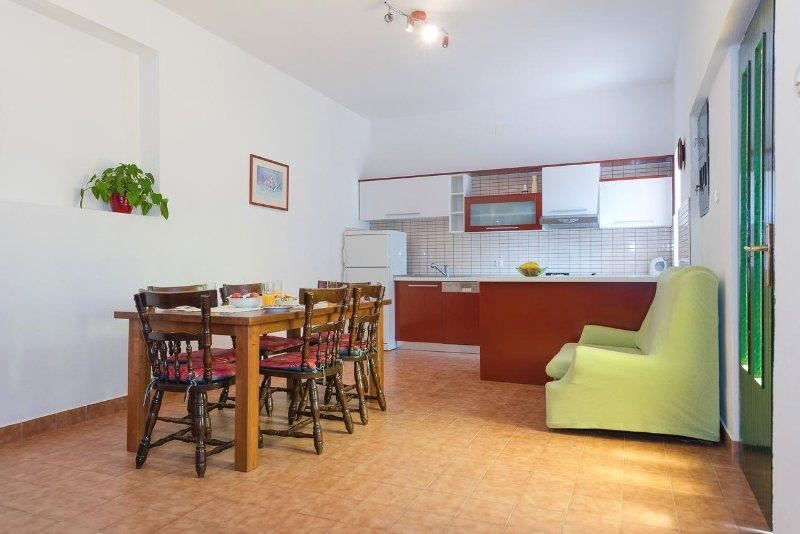 comedor, Superficie: 20 m²