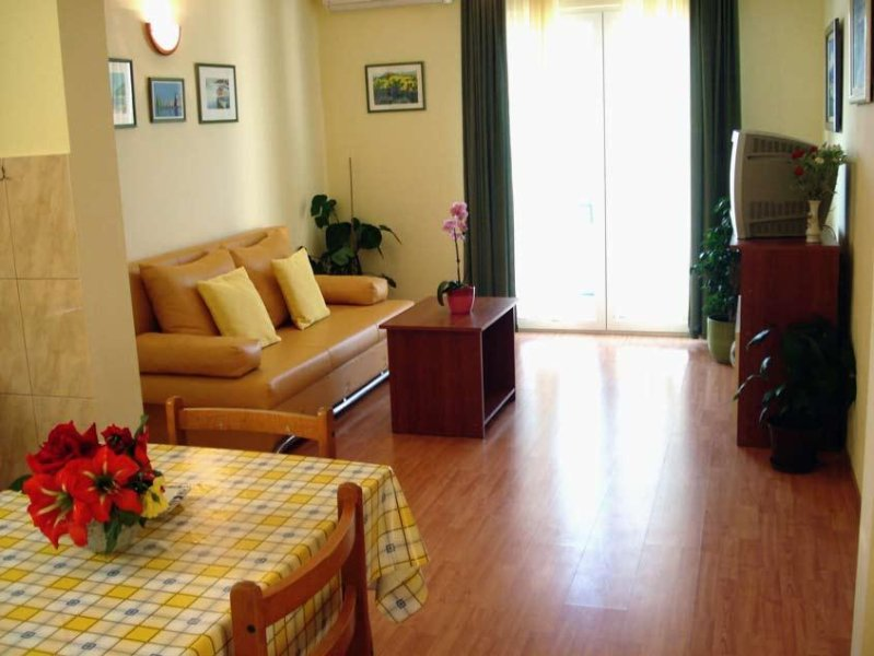 Mastrinka Apartment Sleeps 4 with Air Con - 5460346, vacation rental in Mastrinka
