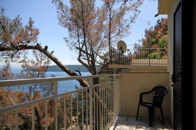 Martina Apartment Sleeps 4 - 5460581, casa vacanza a Brsec