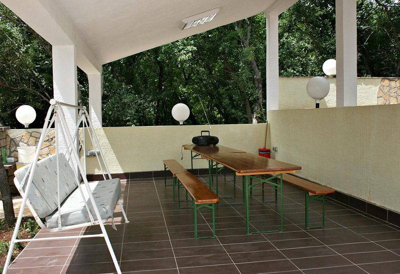 Povile Apartment Sleeps 6 with Air Con - 5460633, holiday rental in Breze