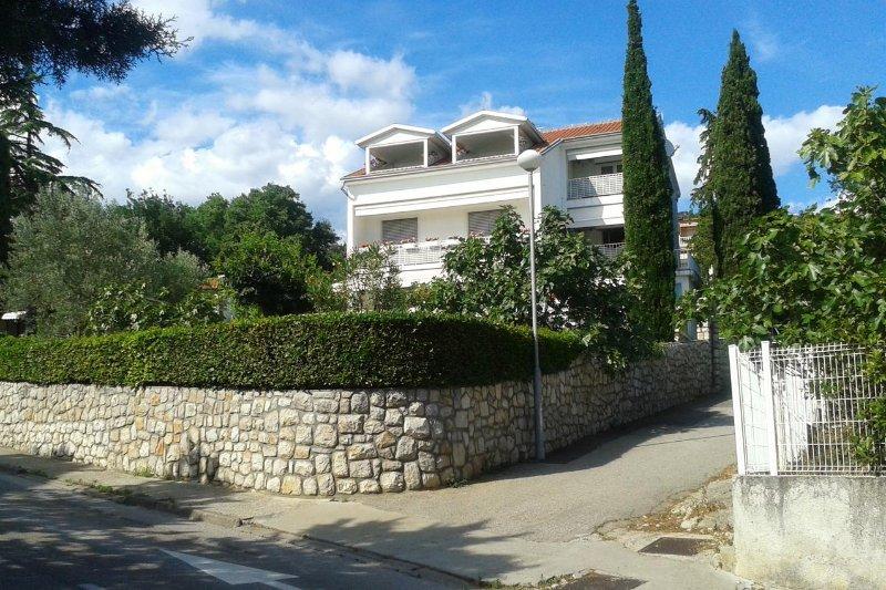 Two bedroom apartment Selce, Crikvenica (A-4801-a), alquiler vacacional en Selce