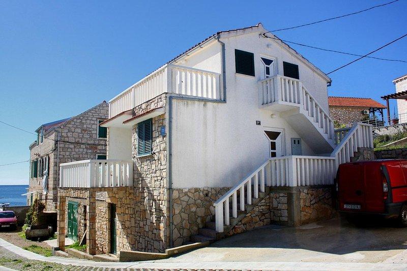 One bedroom apartment Rukavac, Vis (A-2478-b), aluguéis de temporada em Rukavac