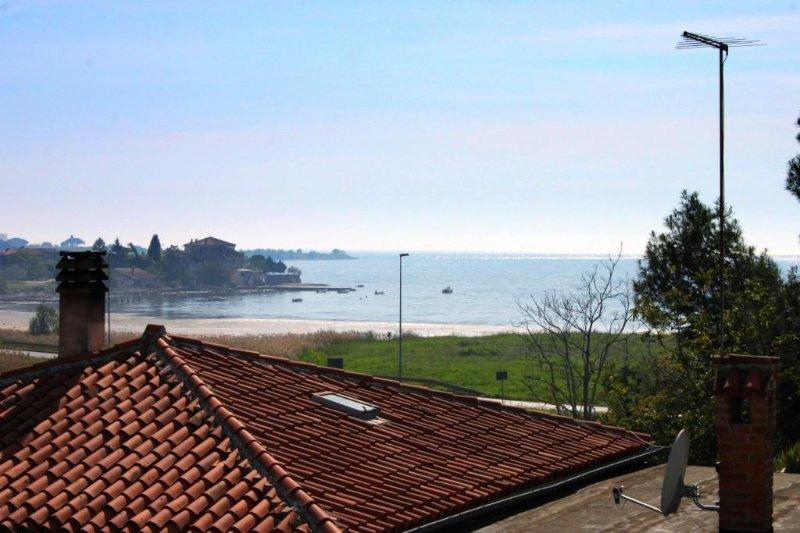 Karigador Apartment Sleeps 4 with Air Con - 5460797, location de vacances à Fiorini