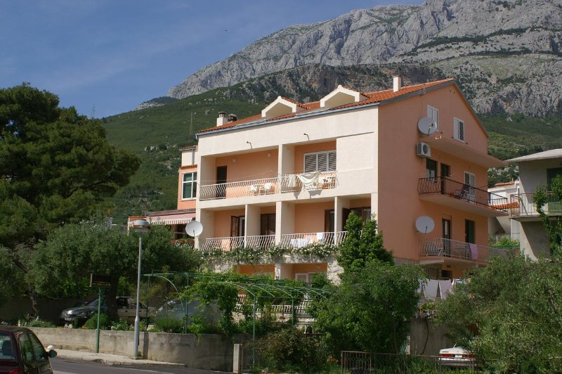 One bedroom apartment Tučepi, Makarska (A-2721-a), aluguéis de temporada em Tucepi