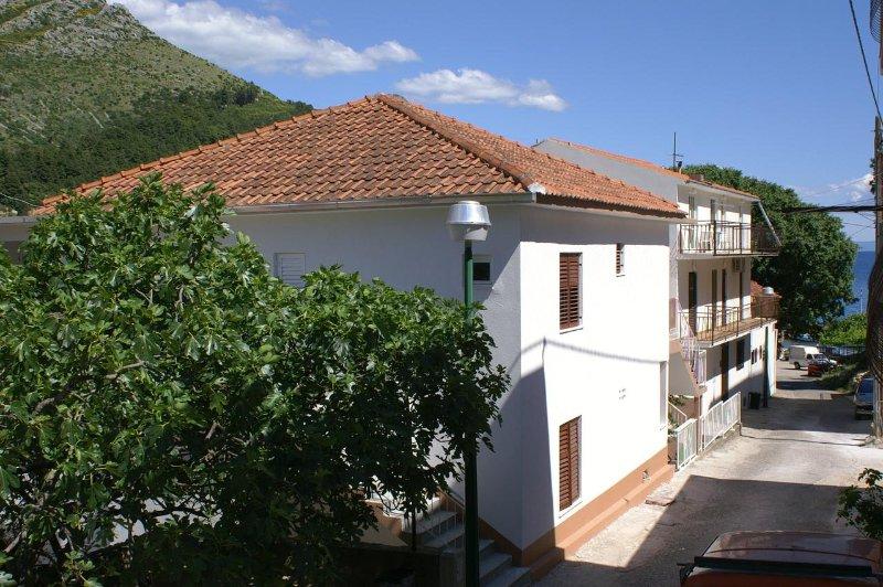 Donja Vala Apartment Sleeps 3 with Air Con - 5461115, casa vacanza a Drvenik