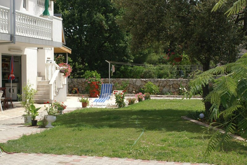 Zablace Apartment Sleeps 4 with Air Con - 5462562, holiday rental in Zablace