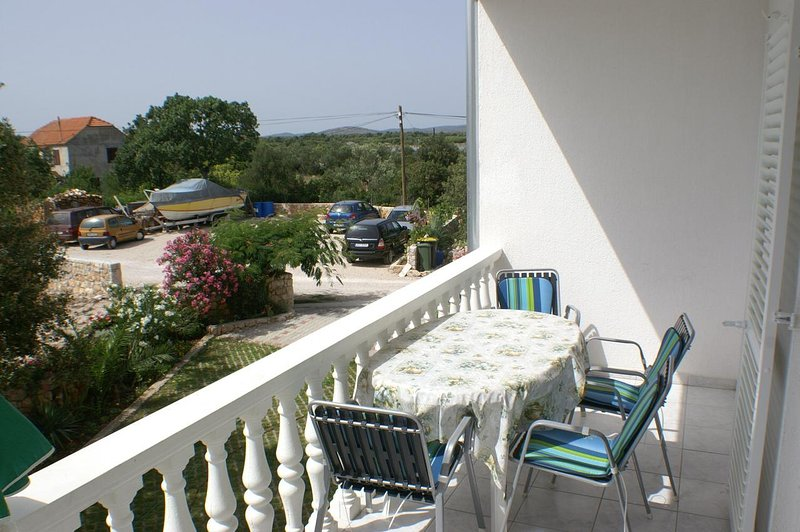 Zablace Apartment Sleeps 4 with Air Con - 5462561, holiday rental in Zablace