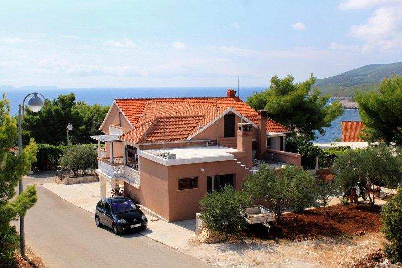 Two bedroom apartment Zavalatica, Korčula (A-4453-b), holiday rental in Smokvica
