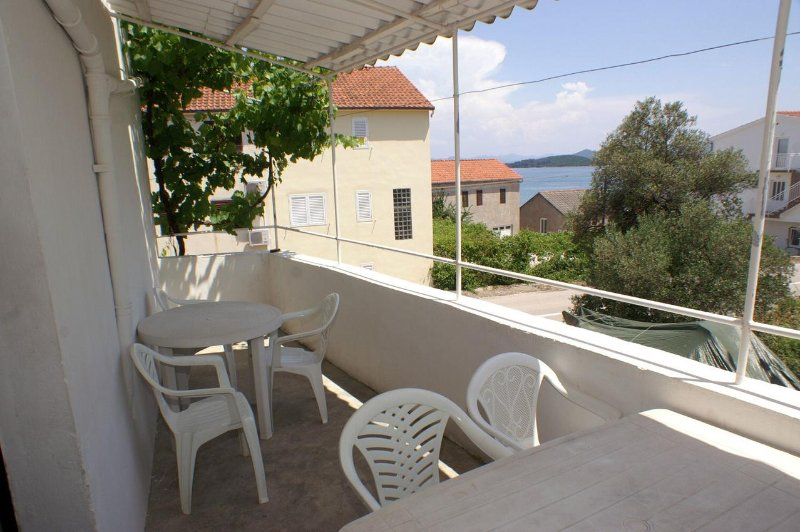 Drace Apartment Sleeps 6 - 5463095, holiday rental in Drace