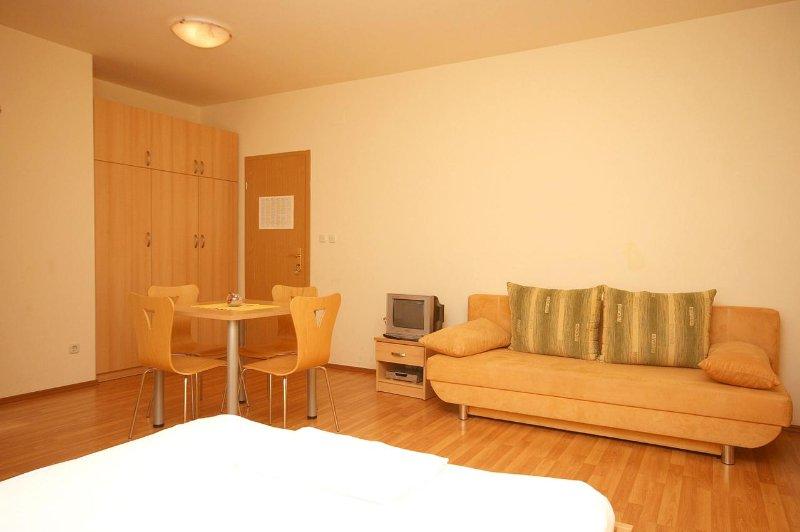 Eetkamer, Oppervlakte: 13 m²