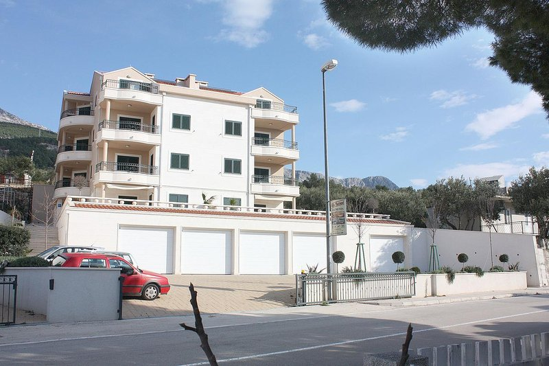 Two bedroom apartment Tučepi, Makarska (A-3193-a), aluguéis de temporada em Tucepi