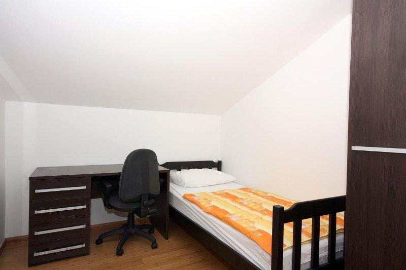 Chambre 2, Surface: 8 m²